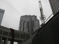 comp_都庁 第2庁舎 中庭から 091209_cIMG_6549