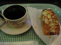 食 チーズドッグと紅茶(ロンドンバス) 100116_cIMG_7175