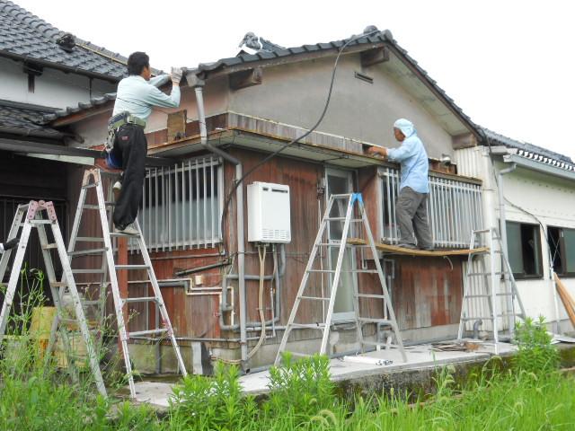庇取替と軒樋取替工事