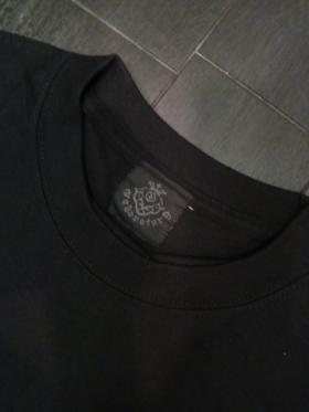 Long_sleeve_T-shirts_Blk_Red_1skull-05.jpg
