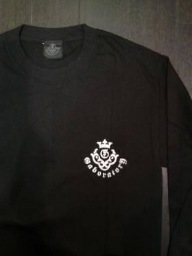 Long_sleeve_T-shirts_Blk_Wht_1skull-03.jpg