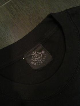 Long_sleeve_T-shirts_Blk_Wht_1skull-05.jpg