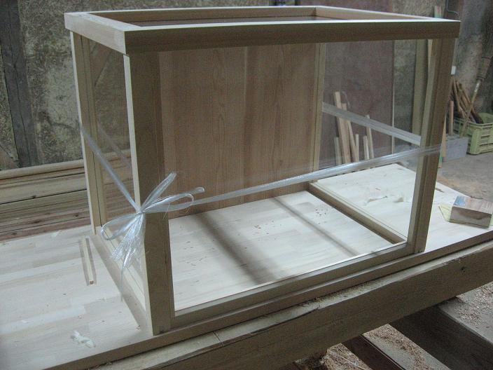 ガラスケース (1)