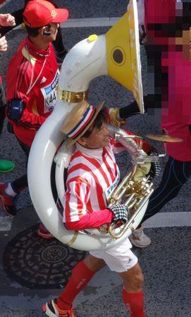 楽器が重そう