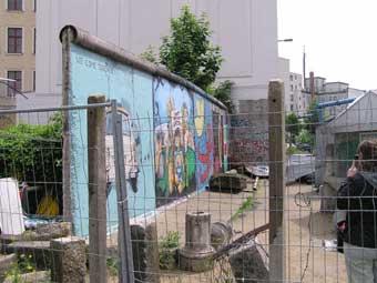 berlin-wall040.jpg