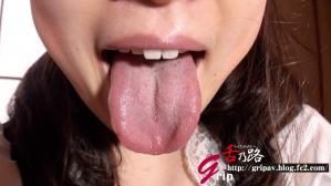 『M系肉厚舌メイド 〝ヨダレの滝〟ぬるベチョ奉仕/白石陽菜』