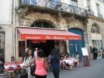 サンポール駅近くのカフェ