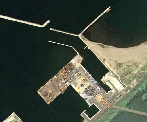 航空写真・石狩湾新港東埠頭