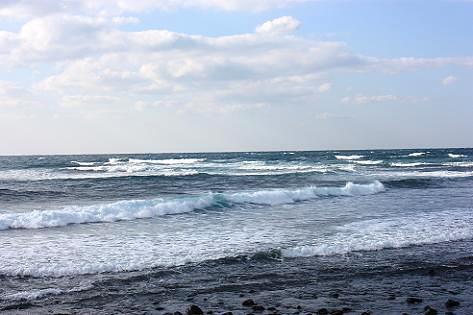 あちこちから押し寄せる波♪