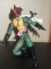 S.Hフィギュアーツ仮面ライダーアマゾン(ギギの腕輪)