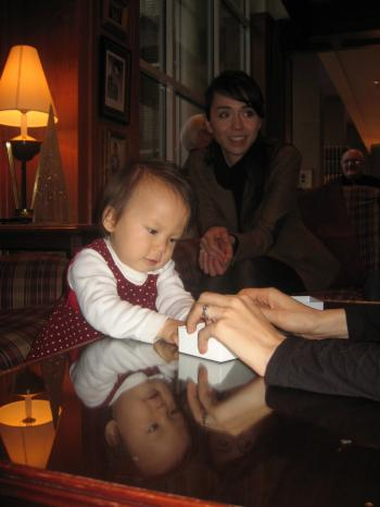 Yui in hotel