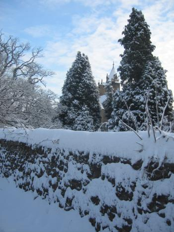 castle+in+snow_convert_20100106044047.jpg