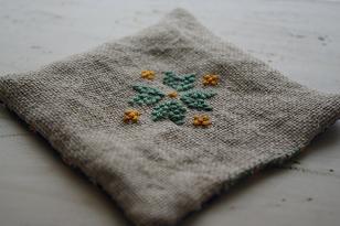 刺繍のコースター
