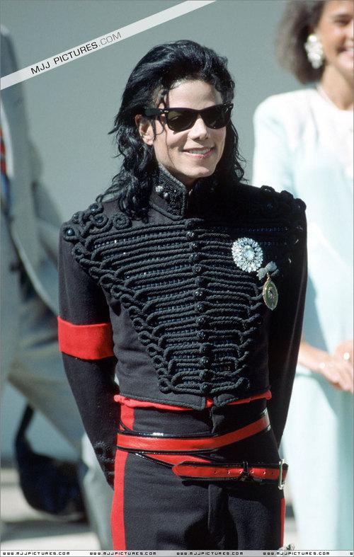 Michael+Jackson+015qk3_1_.jpg