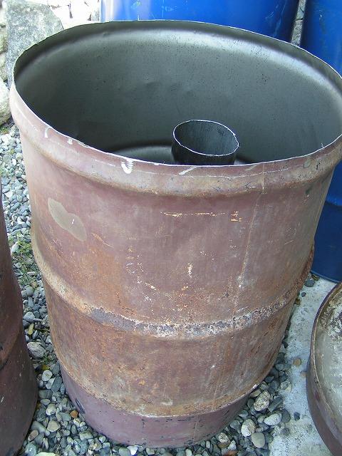 縦型ドラム窯 あとは外部煙突