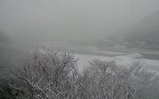 白い熊野川