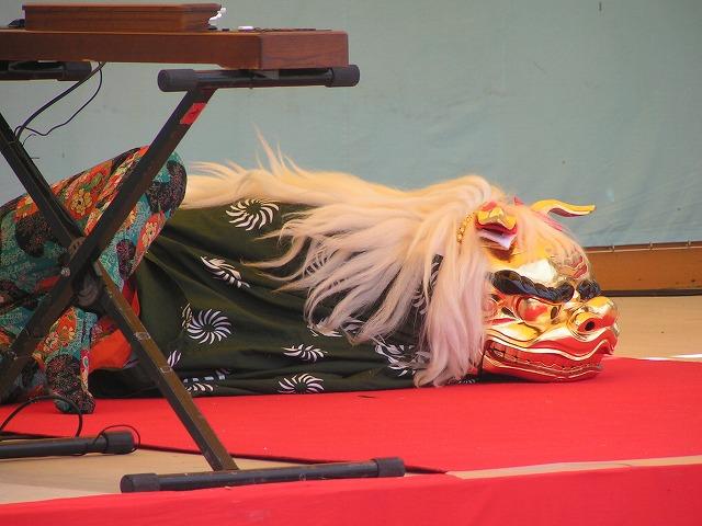 矢吹紫帆さんによる獅子舞
