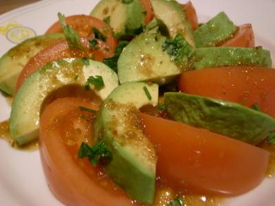 アボガドトマトサラダ