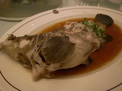 深海魚の蒸したもの