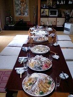 皿鉢と床100103_1133~0001