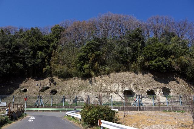 ②201104三輪横穴墓