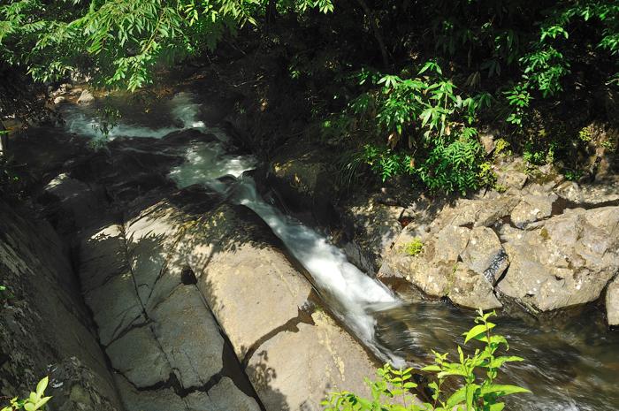 竜宮上の滝1