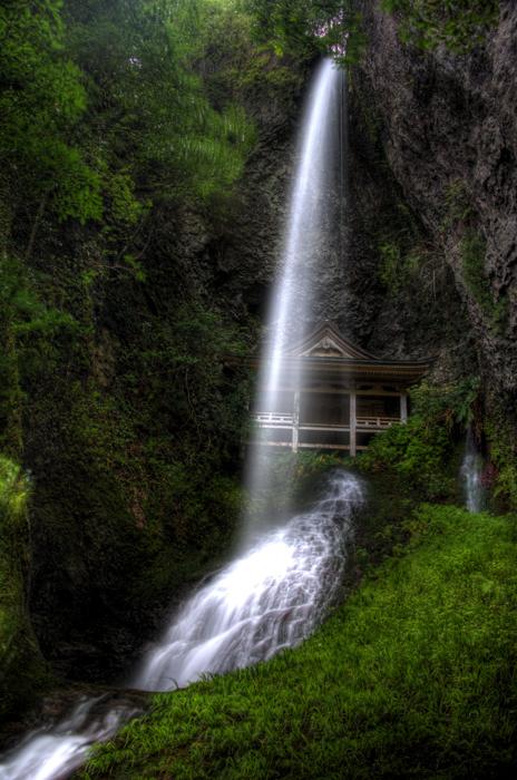 鰐淵 不老の滝b