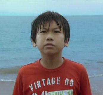 912-1【映画】 いけちゃんとぼく   2009年 出演:蒼井優、深澤嵐、ともさかりえ、萩原聖人  2009年6月20日公開.avi_000172422