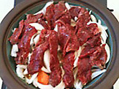 玉葱、人参、牛肉