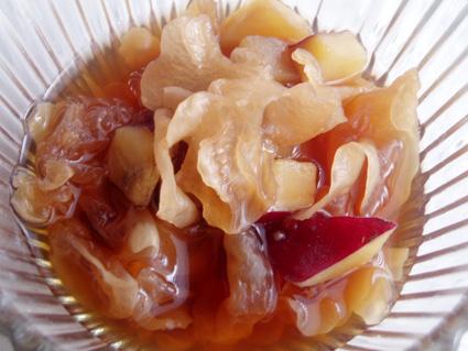 白きくらげとさつま芋の黒糖煮01