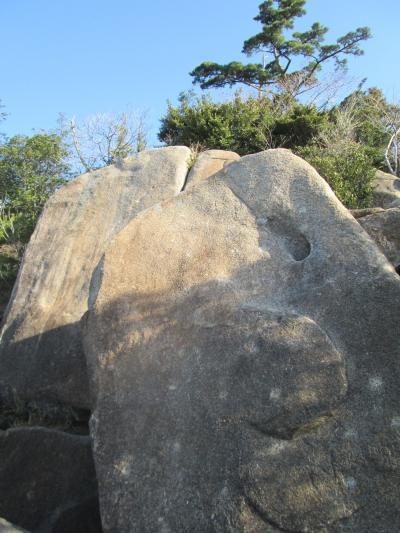 ヌリカベ岩