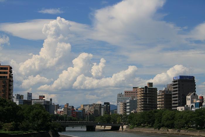 100725 夏の雲 18%