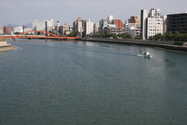 101002 舟入橋から川上を2  Web大