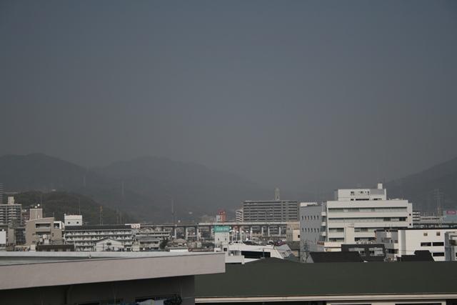 IMG_4579 黄砂に煙る広島 W