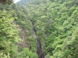 20120520遍妙の滝遠景