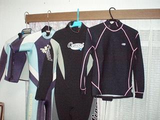 ラッシュガード&ウェットスーツ