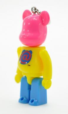 2010nenga-bearbrick-02.jpg