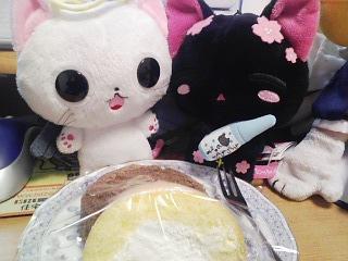 白黒のロールケーキ