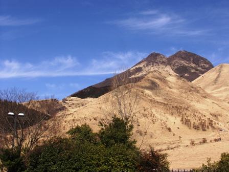 温泉宿から由布岳P1011357