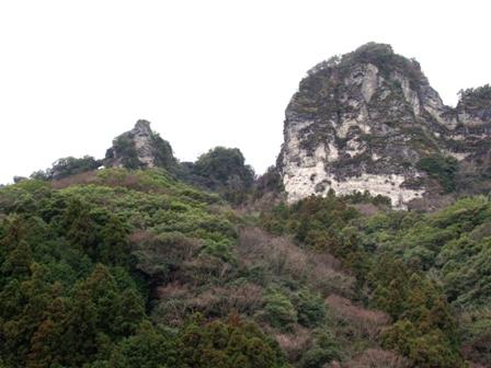 窓岩と大仏岩P1011440