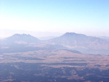 星」生山山頂から阿蘇山P1011584