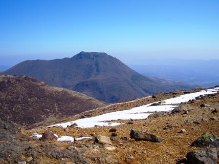 稲星山頂の残雪と大船CIMG0150