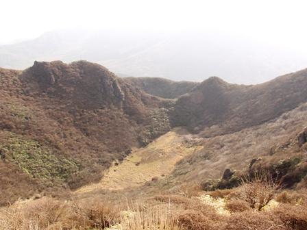本峰から大鍋子鍋P1011924