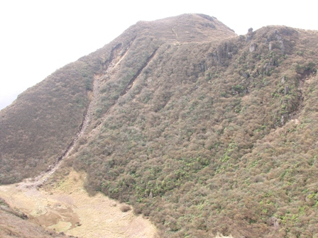 北峰から南峰と大鍋P1011966