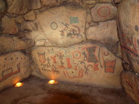 五郎山古墳の中の壁画P7231159
