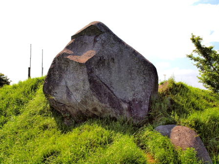 基山山頂の巨石P7231231