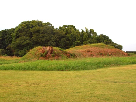 赤塚古墳2PA021601