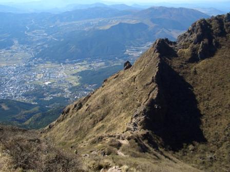 東峰からの下山途中からマタエを撮影IMG0265