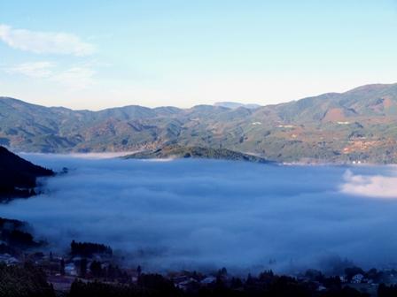 由布院の朝霧1PB041898