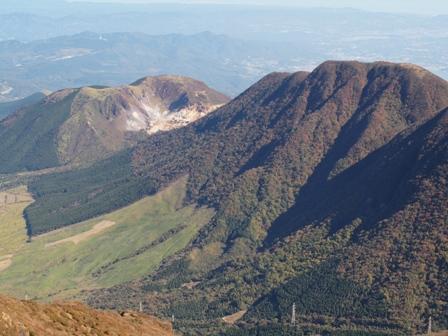 伽藍岳(硫黄山)と内山PB041951